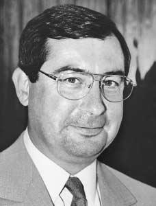 Martin BOUYGUES 1952— Biography - Controversies, Management style ...