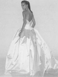 Wangs Wedding Dress Designs Were An Immediate Hit With Modern Brides Because Of Their Simple Elegance